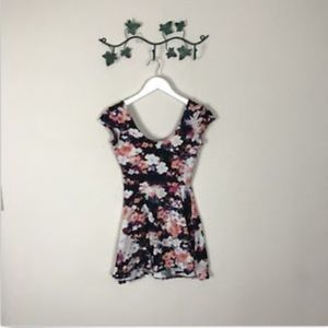 Kimchi Blue Short Dress Cap Sleeve Low Back Floral